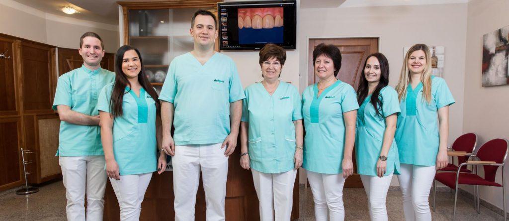 A Dentpoint Centrum fogorvos és dentálhigiénikus csapata