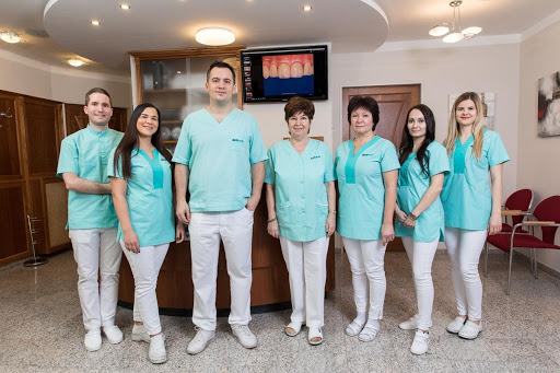A Dentpoint Fogászati, Implantológiai és Parondontológiai Centrum csapata