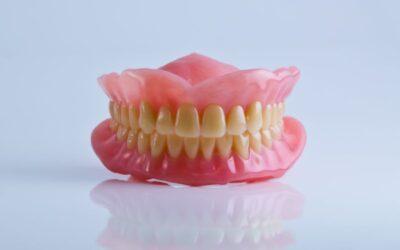 Protézis: minden tudnivaló a kivehető fogsorokról